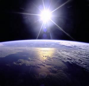 File:Full Sunburst over Earth.JPG - Wikimedia Commons