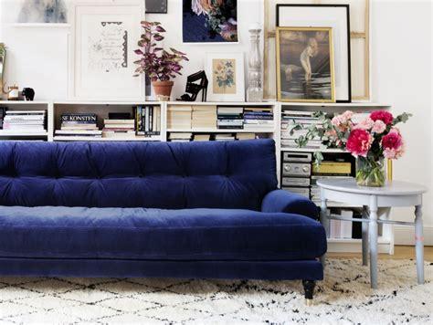 canapé velours design inspirations pour un canapé en velours joli place