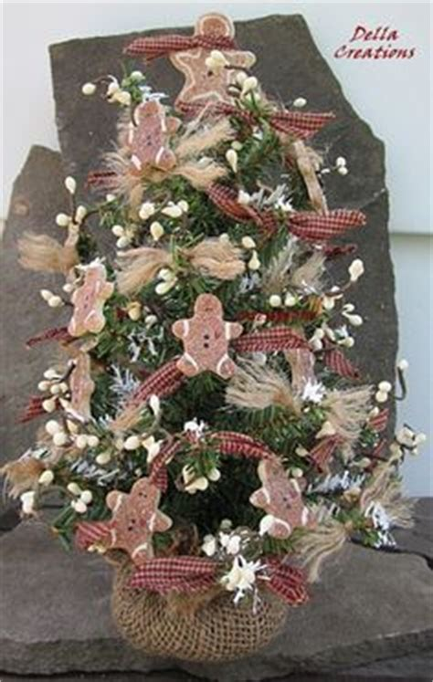gingerbread decorated tree 1000 images about primitive gingerbreads on