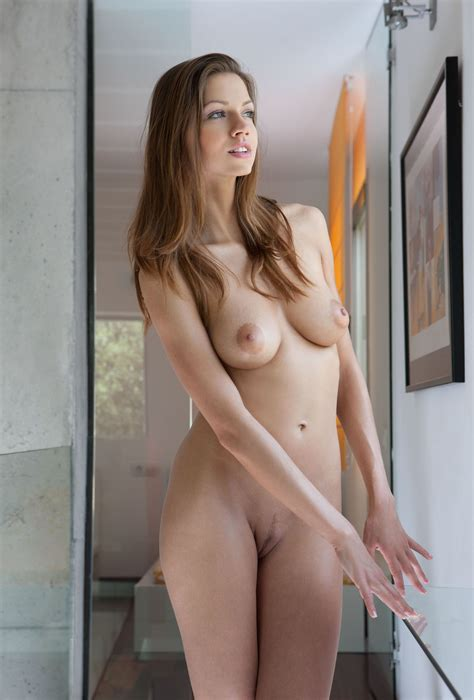 Sexy Nude Brunette Babe Eufrat A With Landing Strip Tgp Gallery