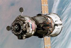 File:Soyuz TMA-6 spacecraft.jpg - Wikipedia