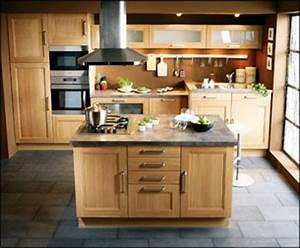 table ilot central de cuisine avec plateau en marbre With cuisine avec ilot central et table