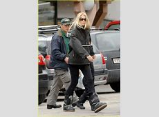 Claudia Schiffer's Daughter is a Ski Bunny Photo 1043431
