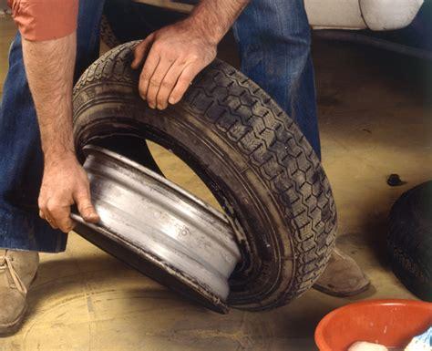 changer chambre a air démonter le pneu usagé remplacer un pneu avec chambre à air