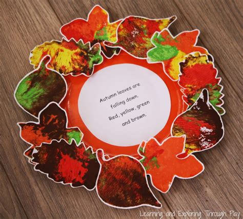 fall crafts for preschoolers learning and exploring through play leaf wreath poem