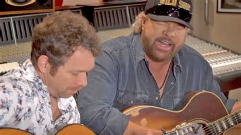 Bet You Can't Get Through Toby Keith's 'sh*tty Golfer