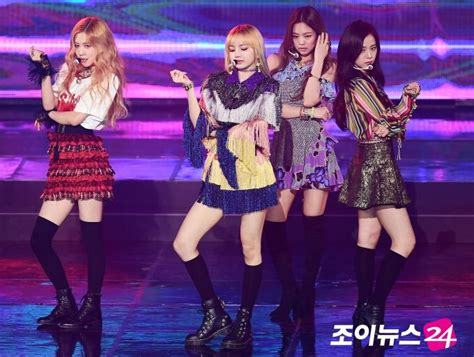 blackpink gaon chart awards performance