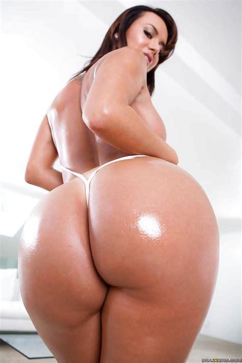 Latina Babe Franceska Jaimes Showing Off Her Well Oiled Big Ass Pornpics Com