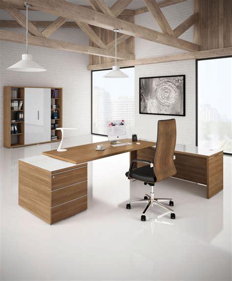 le de bureau en bois un bureau de direction à l image de votre société