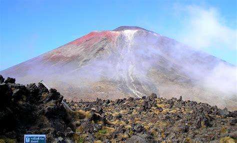 zealand  volcanoes poms