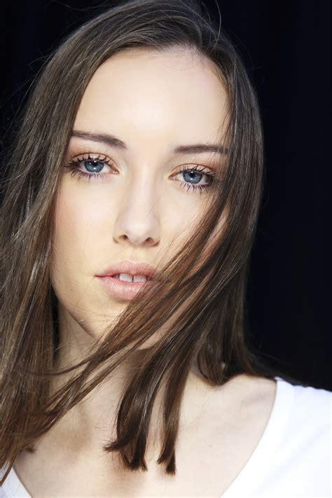 Sonny Vandevelde - Hannah Taylor from Chadwicks Models