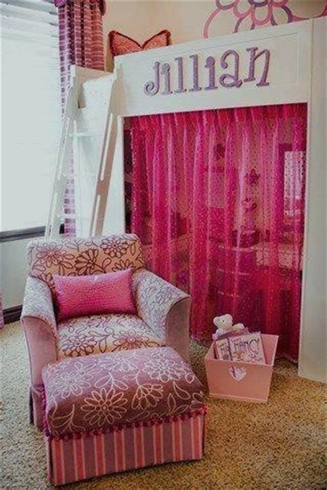 room contemporary by puerta