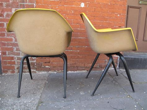 mid century modern molded fiberglass chairs at 1stdibs
