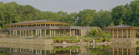 Sinquefield Lake House   R.G. Ross