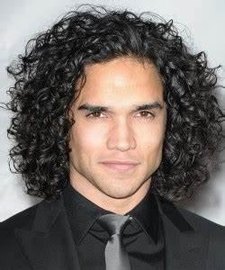 Coiffure Homme Bouclé : coiffure homme cheveux long boucl le7emecontinent ~ Melissatoandfro.com Idées de Décoration