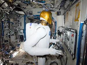 Look at This: Robonaut 2 Put to Work Aboard the ISS ...