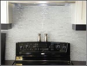 White glass tile backsplash kitchen tiles home design for Glass backsplash tiles for kitchen
