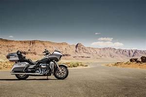 2017 Harley-Davidson Road Glide Ultra Review