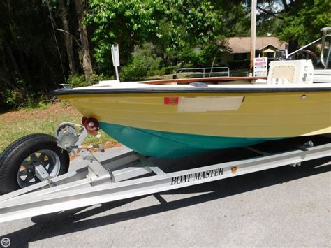 Used Hewes Flats Boats For Sale by 1976 Used Hewes 17 Bonefisher Flats Fishing Boat For Sale