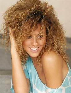 Couleur Cheveux Chocolat Caramel : balayage caramel sur cheveux blond ~ Melissatoandfro.com Idées de Décoration