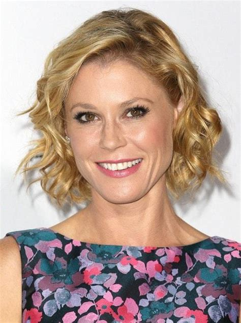 15 Youthful Short hairstyles for Women Over 40