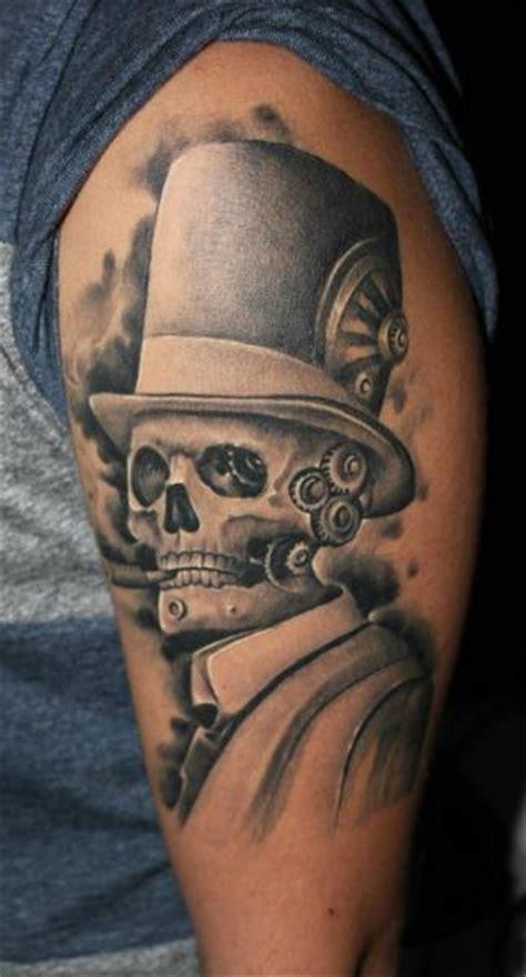 tatuaje brazo fantasy craneo robot por bio art tattoo