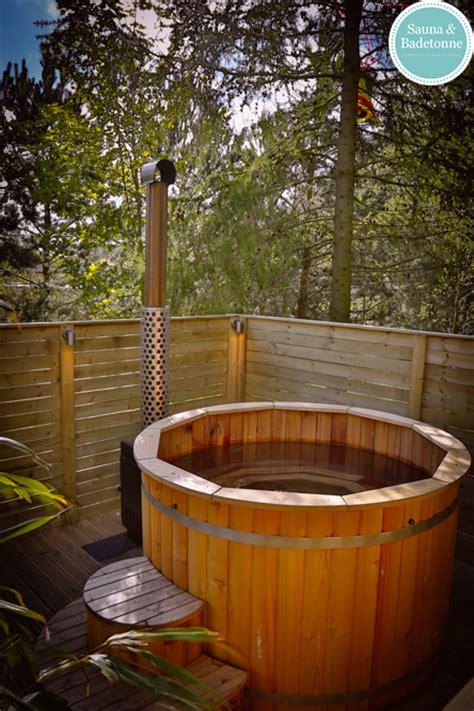 barrel saunas  hot tubs  brompton lakes wooden hot