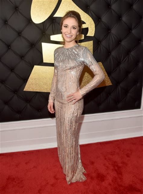 7 Modest Dresses from the 2017 Grammy Awards | LDS Living