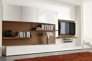 Mobile soggiorno moderno 546 in raffinato noce canaletto e laccato lucido bianco spazzolato for Mobile soggiorno bianco lucido