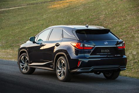 lexus crossover all new 2016 lexus rx crossover arrives with bold new