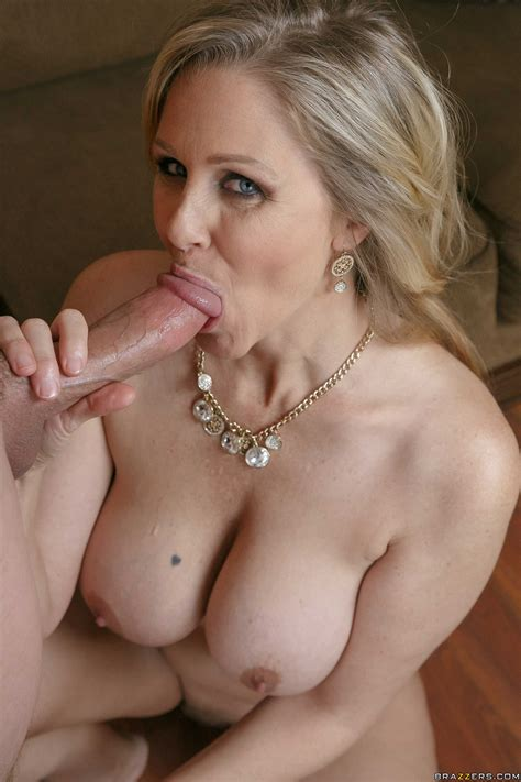 Big Titted Blonde Got Her Pussy Drilled Photos Julia Ann