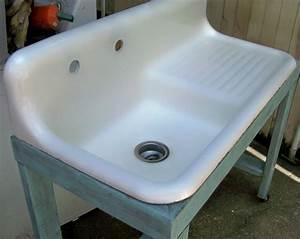 Vintage Kitchen Sinks for Simple Traditional Design