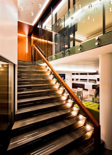 Tenemos muchos modelos de señales led para interiores. 10 Stairway lighting ideas for modern and contemporary interiors