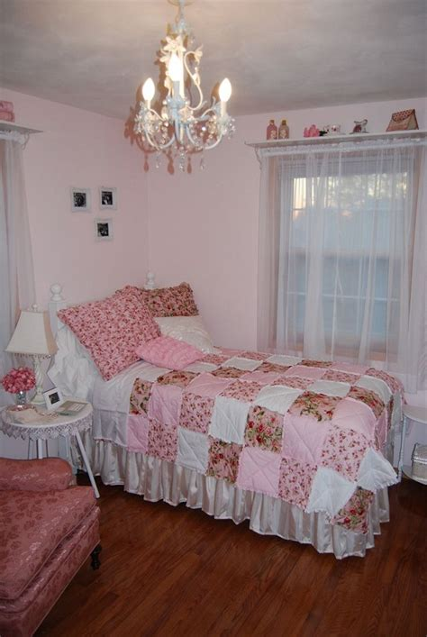 pink shabby chic bedroom shabby chic bedroom ideas for a vintage bedroom look 16754