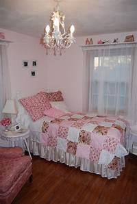room decor ideas Shabby Chic Bedroom Ideas for a Vintage Romantic Bedroom Look