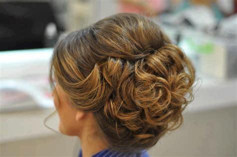 gifhorn hair frisuren lockige hochsteckfrisur und