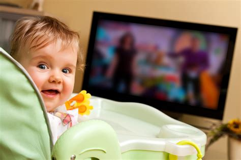 Fussy Babies Get More Screen Time Study Finds Toronto Star