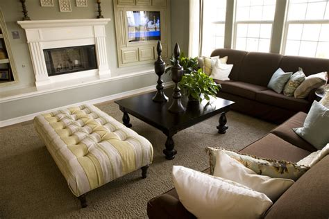 Chocolate Brown Couch Living Room Ideas by 47 Beautifully Decorated Living Room Designs