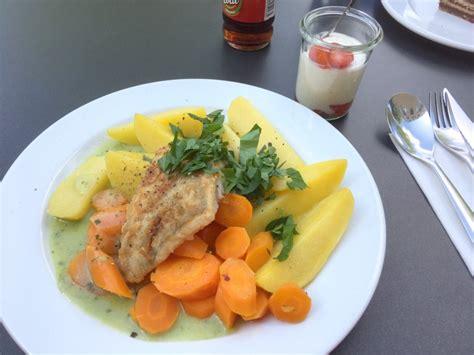 Lecker Bentos und mehr: Leckerer Fisch zum Mittag, man ...