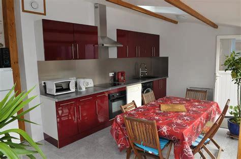 cuisine entierement equipee cuisine entièrement équipée gîte et chambres d 39 hôtes à pornic location les volets bleus
