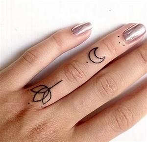 Tatouage Sur Doigt : les 25 meilleures id es de la cat gorie tatouage doigt femme sur pinterest tatouage doigt ~ Melissatoandfro.com Idées de Décoration
