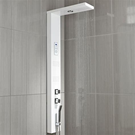 colonne de douche hydromassante avec robinetterie blanc