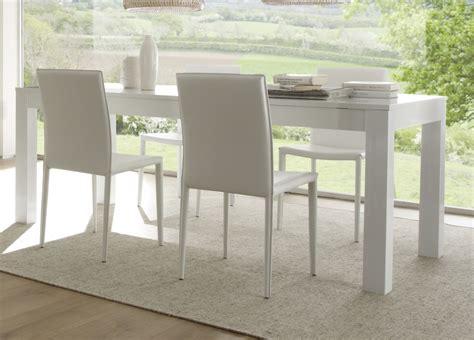 cuisine soldé table de salle à manger laquée blanche simba table à