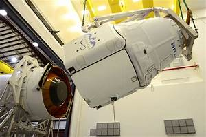 SpaceX Delays Dragon Cargo Launch to Space Station Until ...