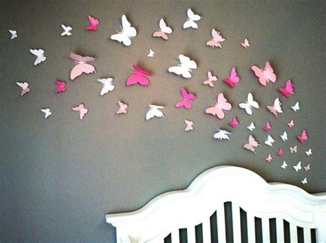 papillons en papier sur mur de chambre d enfant d 233 coration chambre enfant