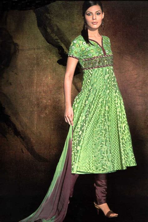 fashion world girls latest salwaar kameez pics
