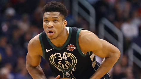 Giannis Antetokounmpo injury update: Bucks MVP candidate ...