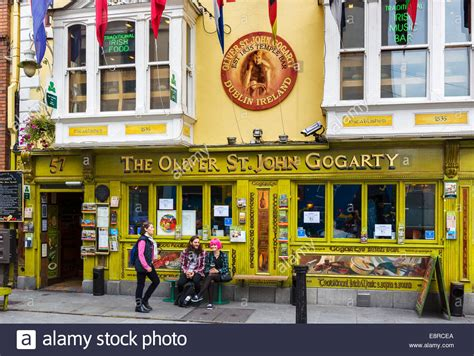 the oliver st gogarty pub temple bar in the city centre stock photo 74273426 alamy