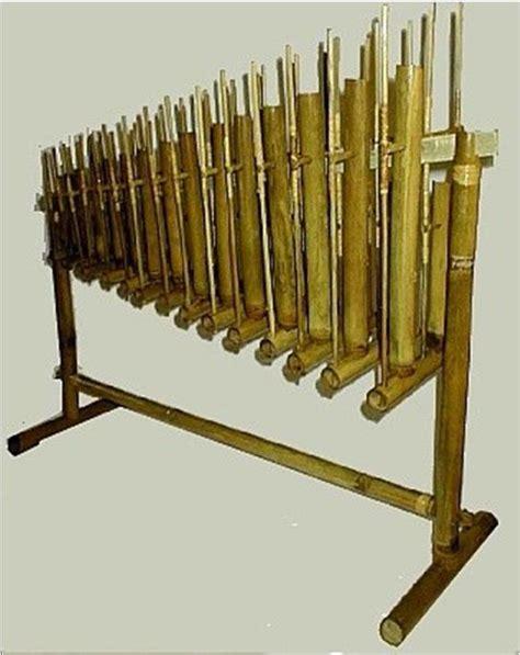 Rumus tangga nada mayor, tangga nada minor 2 (dua) oktaf , serta cadence nya (pengalaman kursus piano di yamaha musik bogor). Alat   Musik   Tradisional   Nusantara: Jawa Barat