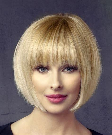 short straight light honey blonde bob haircut  layered
